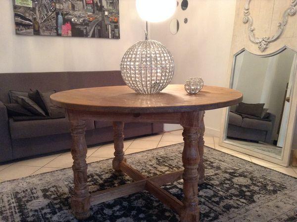 TABLE A MANGER BOIS   MIS EN DEMEURE   230 Rueil-Malmaison (92)