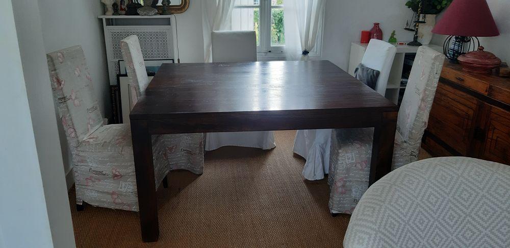Table à manger carrée en bois 140 x 140 0 Eaubonne (95)