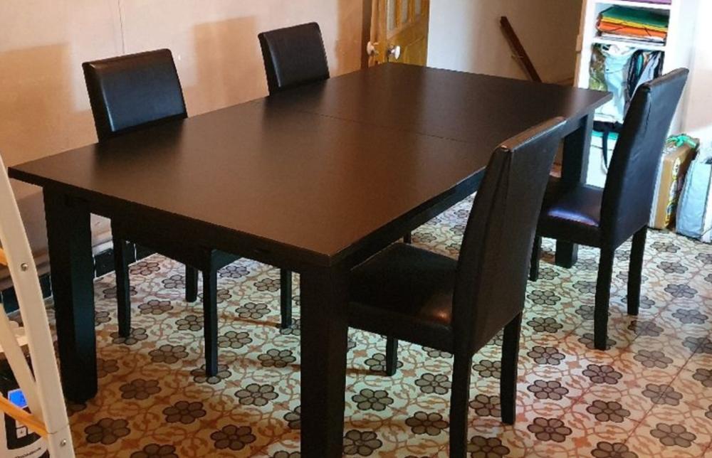 table à manger et six chaises 300 Fourques (30)