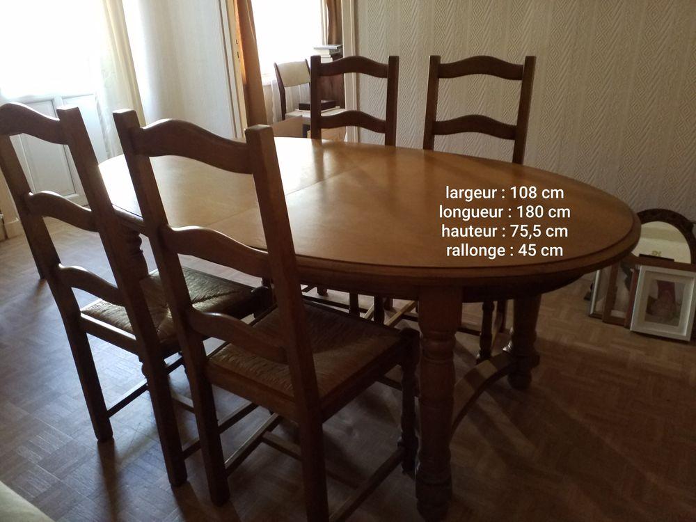 Table à manger et 4 chaises chêne clair 249 Nantes (44)