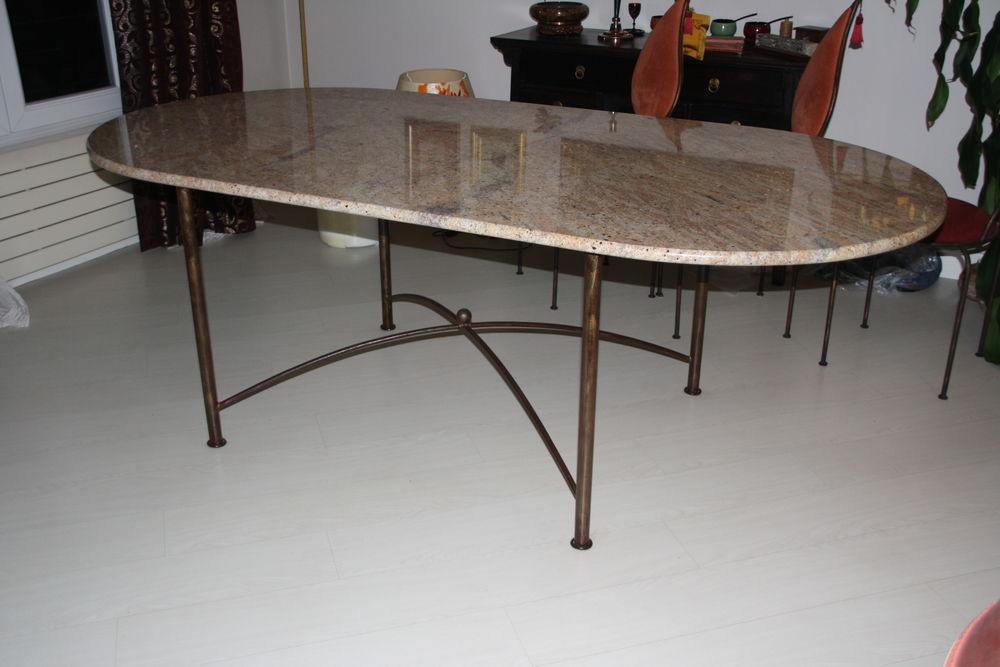 TABLE A MANGER EN GARNIT BEIGE ROSE 280 Paris 15 (75)