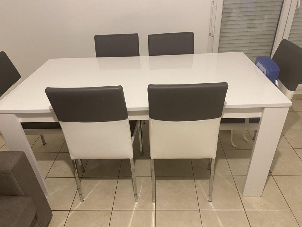 Lot de table à manger laqué et six chaises en similicuir 180 Herblay (95)