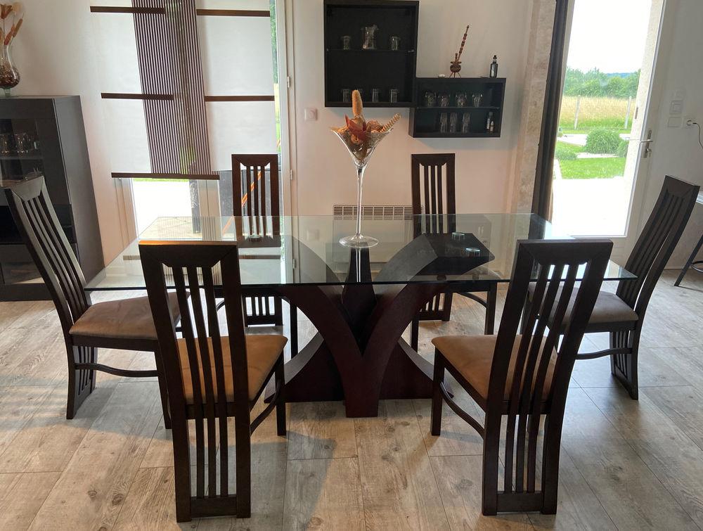 Table à manger moderne et ses 6 chaises 350 Salignac (33)