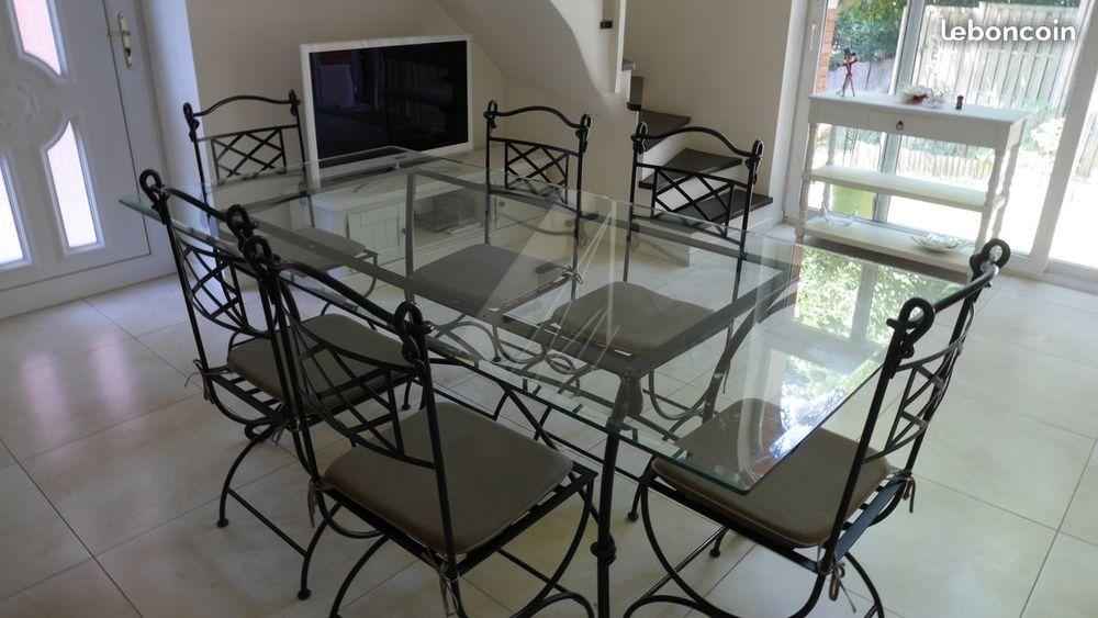 Table à manger 6/8 personnes fer forgé et plateau verre Meubles