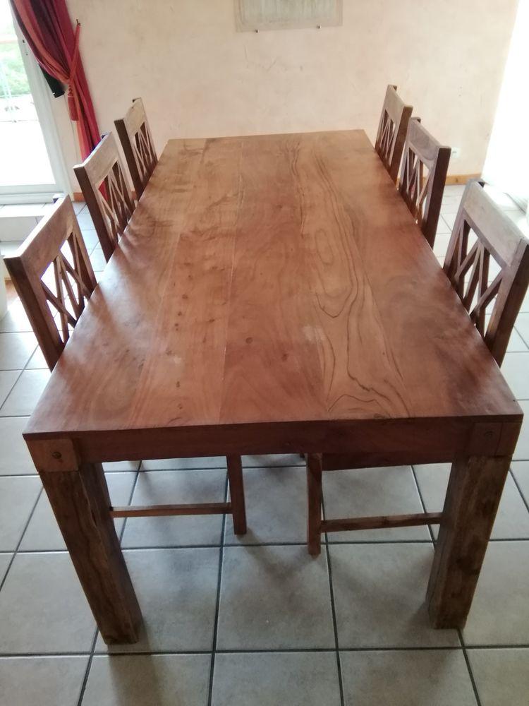 Table à manger 8 personnes et 6 chaises  600 Clermont-Ferrand (63)