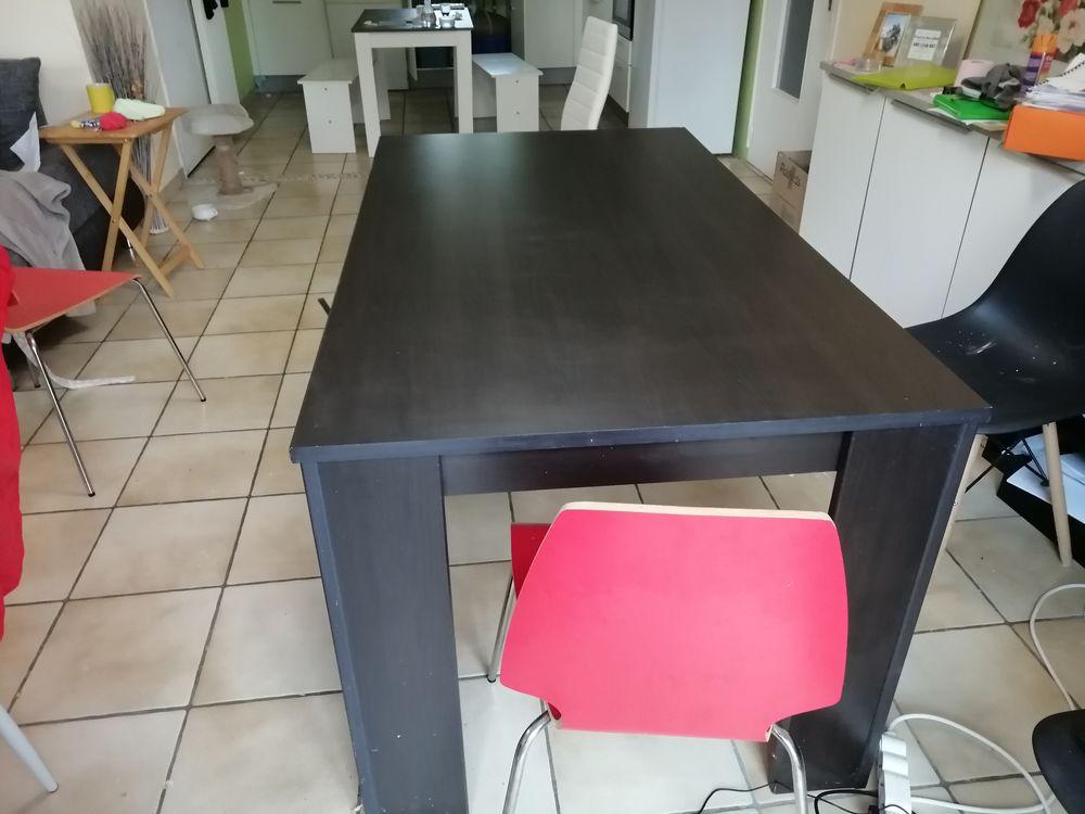 Table à manger 6 places 70 Carcassonne (11)