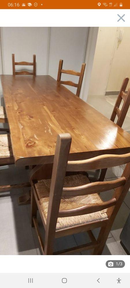 table à manger plus chaises  550 Paris 14 (75)