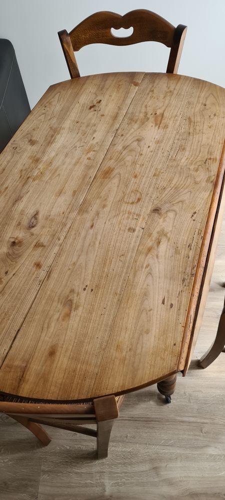 Table à manger + rallonges avec 4 chaises 70 Toulon (83)
