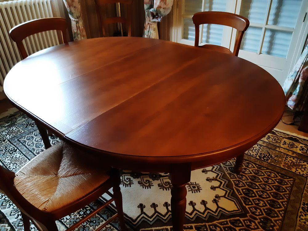 une table à manger ronde avec rallonge + chaises. 0 Quéven (56)