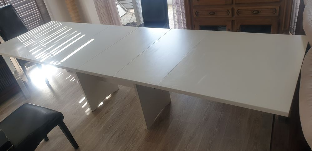 Table a manger  150 Le Grand-Quevilly (76)