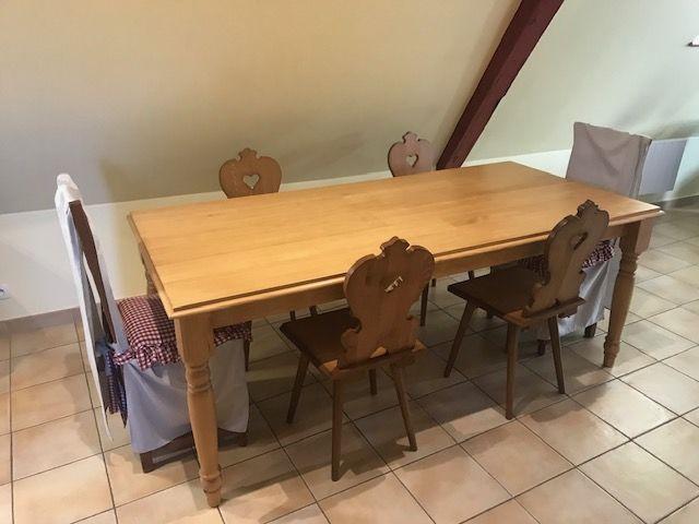 Table à manger en pin 190 Orgeval (78)