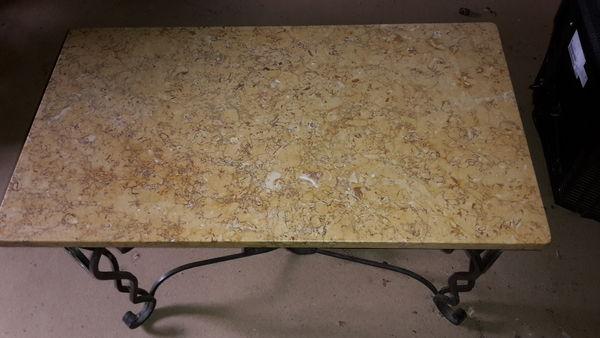 Achetez table en marbre avec quasi neuf annonce vente for Table en marbre occasion