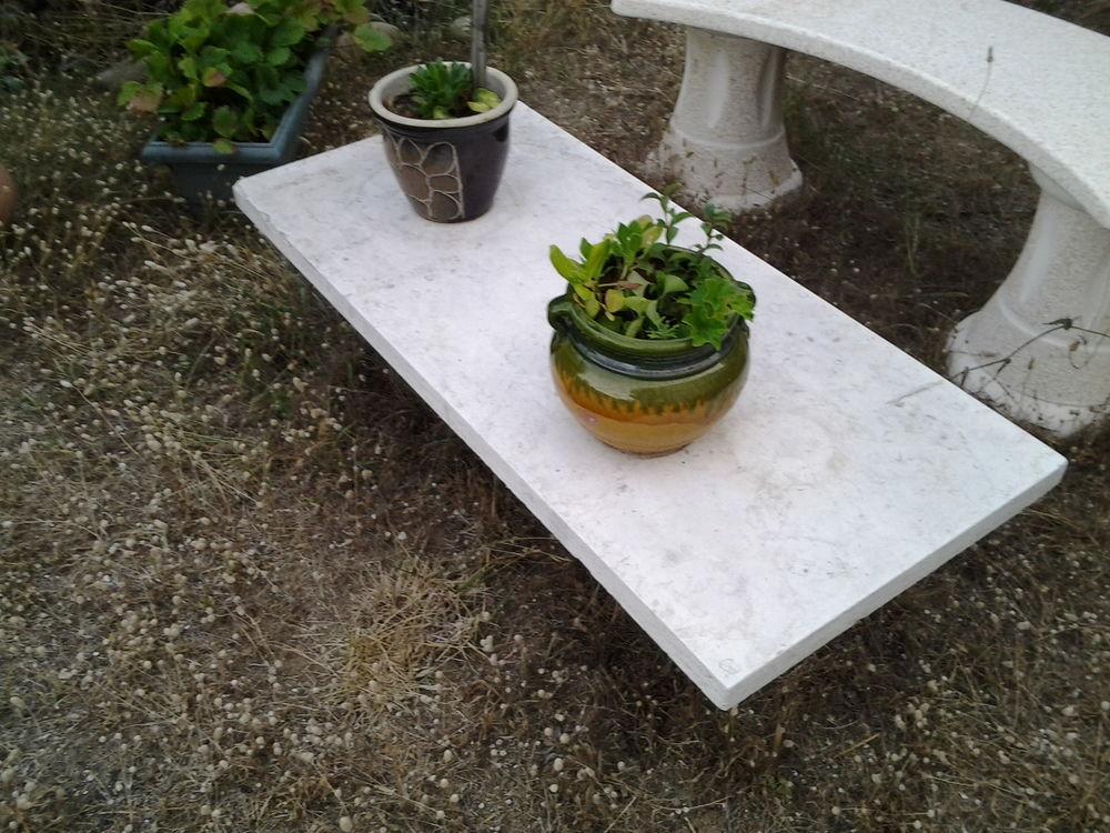 Table en marbre, morceau de marbre posé sur support 40 La Ciotat (13)