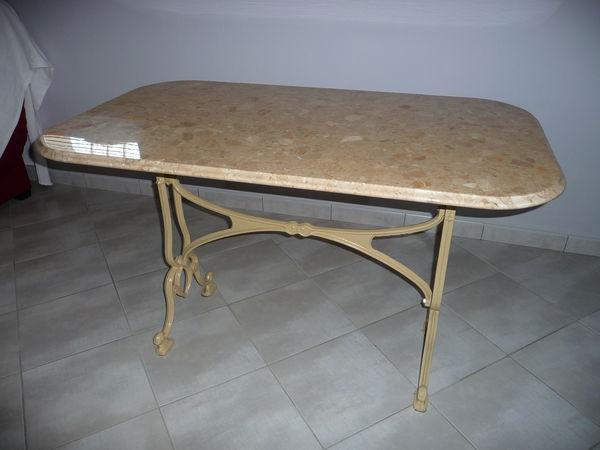 Achetez table en marbre quasi neuf annonce vente for Table en marbre occasion