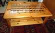 Table pin massif vitrée à vendre
