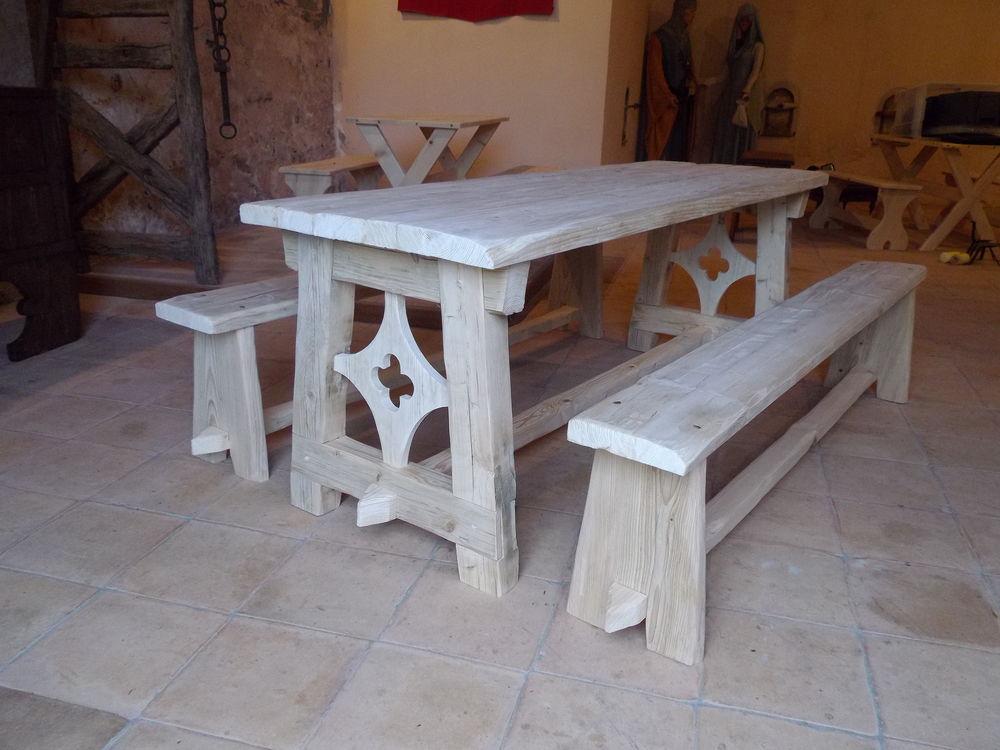 table médiévale 900 Montréal (11)