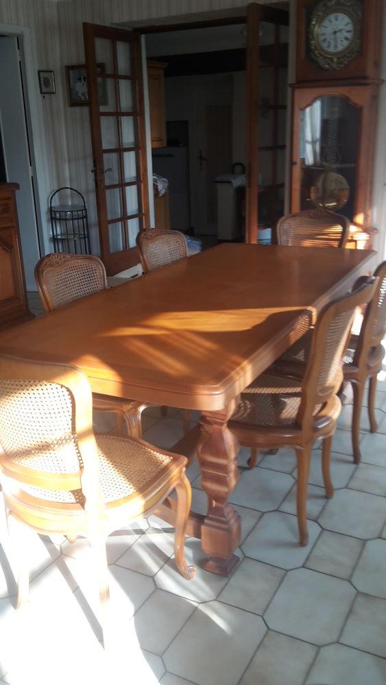 TABLE EN MERISIER MASSIF Meubles