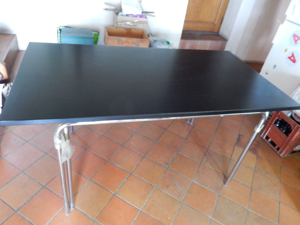 Table / Meuble de bureau 69 Lagny-sur-Marne (77)