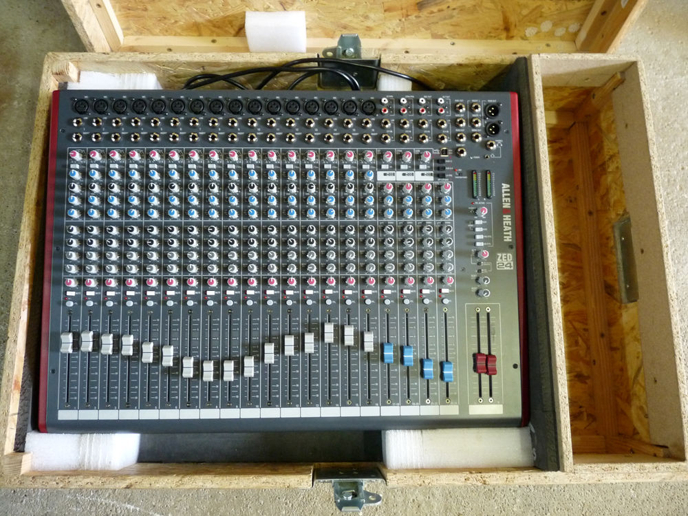 Table mixage Allen et Heath Z24 garanti un an 450 Narbonne (11)
