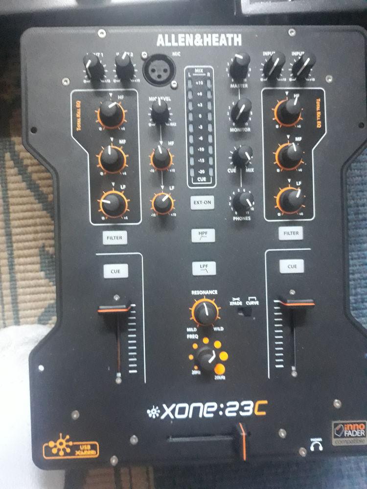 Table mixage allen heat et platines reloop rp2000 300 Barr (67)