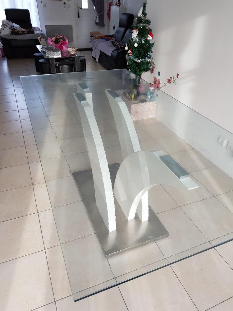 TABLE MODERNE DESSUS EN VERRE Pieds : blanc 250 Parentis-en-Born (40)