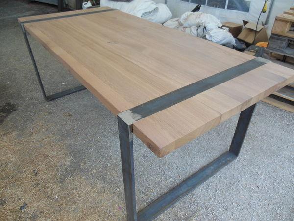 Achetez table monastere en occasion annonce vente mont for Table exterieur industriel