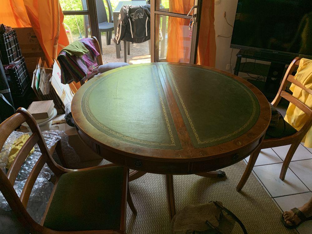 Table noyer 4 chaise et rallonge cuir bois  499 Saint-André-de-Seignanx (40)