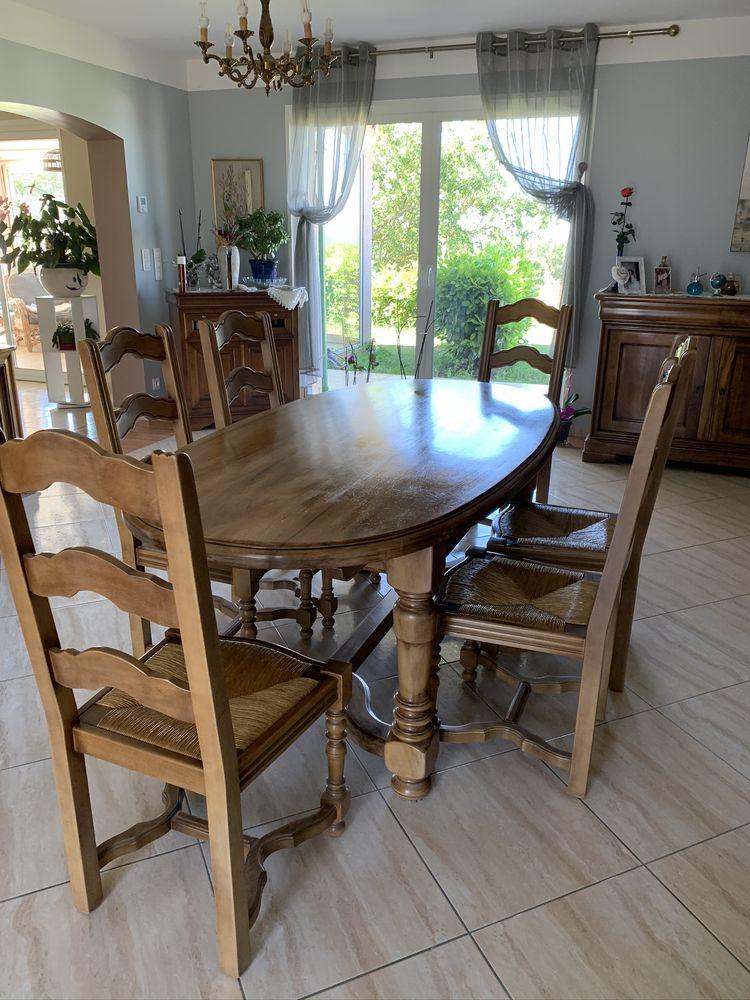 Table noyer et 6 chaises hêtres  450 Castelnau-d'Estrétefonds (31)