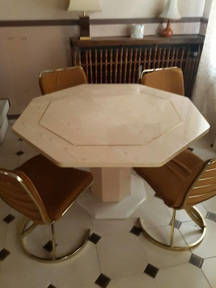 table octogonale  60 Louveciennes (78)