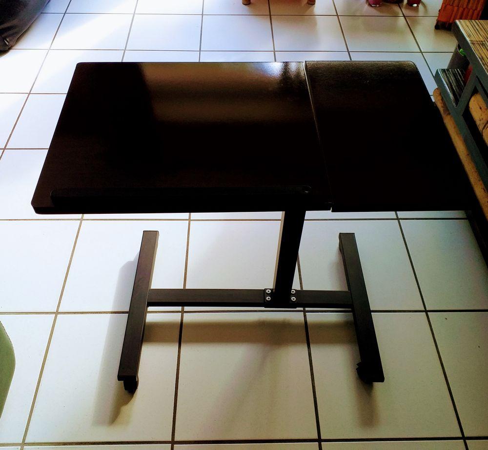Achetez Table Ordinateur Occasion Annonce Vente A Saint Brieuc 22 Wb165684686