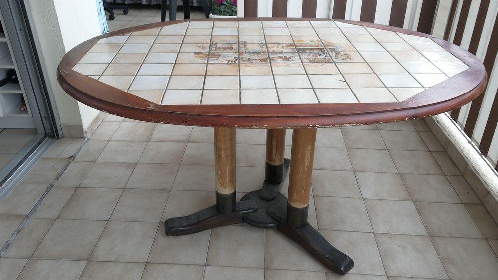 table ovale de cuisine  30 Saint-Laurent-du-Var (06)