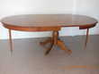 Table ovale (pied central) + 2 rallonges Meubles