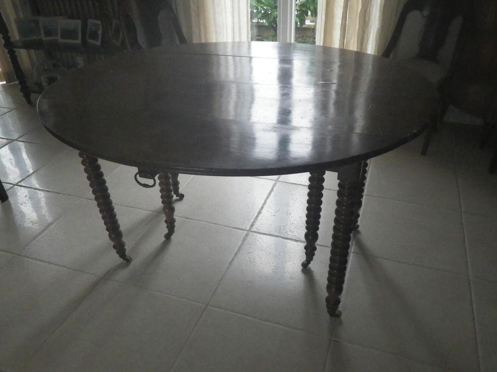TABLE SIX PIED MOULURES EN ACAJOU  DE19S 0 Sucy-en-Brie (94)