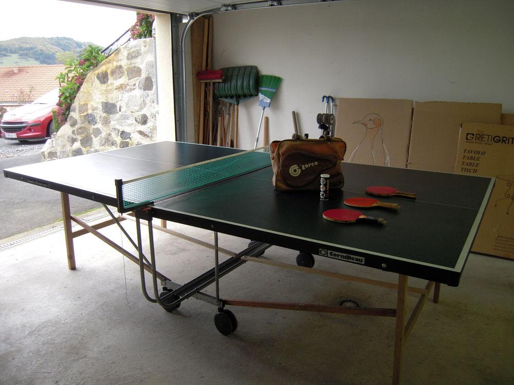 achetez table de ping pong quasi neuf annonce vente. Black Bedroom Furniture Sets. Home Design Ideas