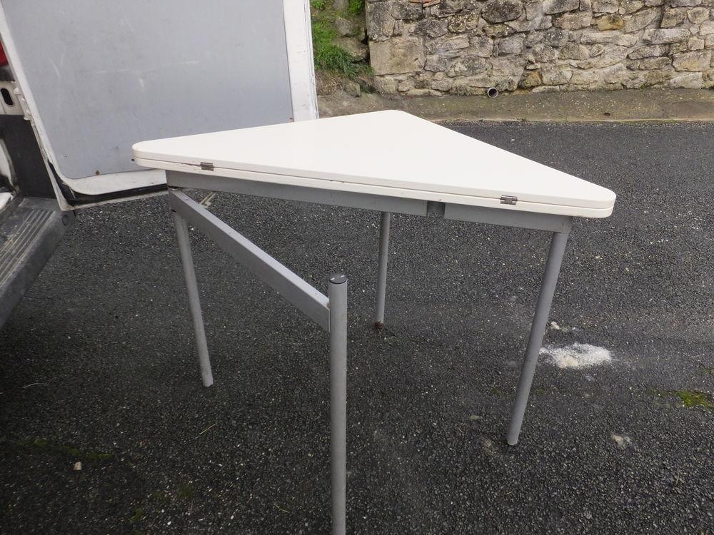 Table pliante 10 Saint-Sève (33)