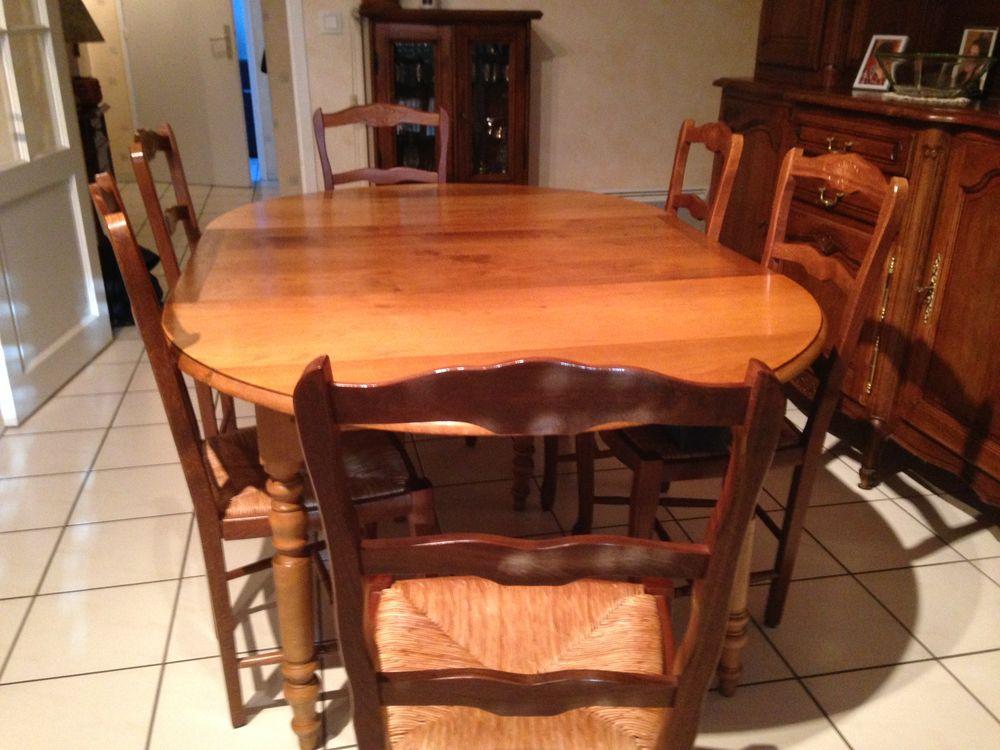 table plus 6 chaises 150 Dinan (22)