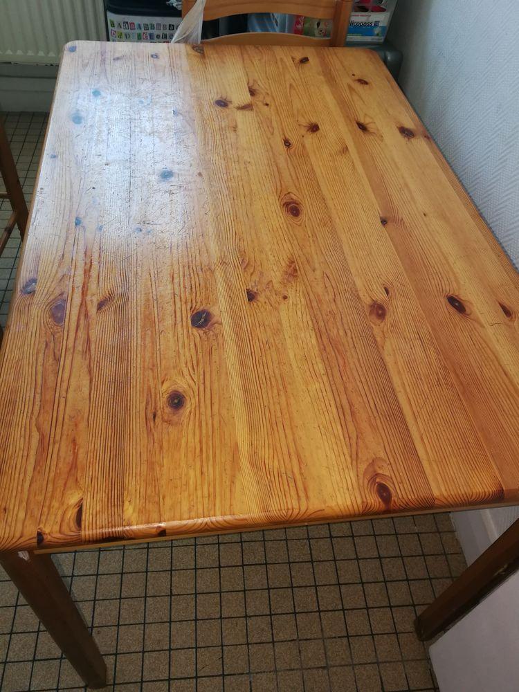 table plus 3 chaises 5 Goussainville (95)