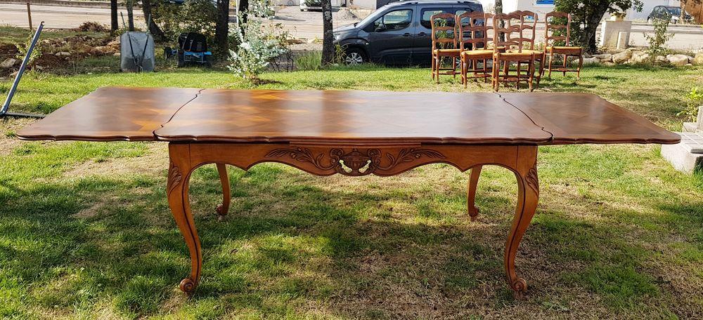 Table SAM provençale en noyer 160 Saint-Jean-de-Crieulon (30)