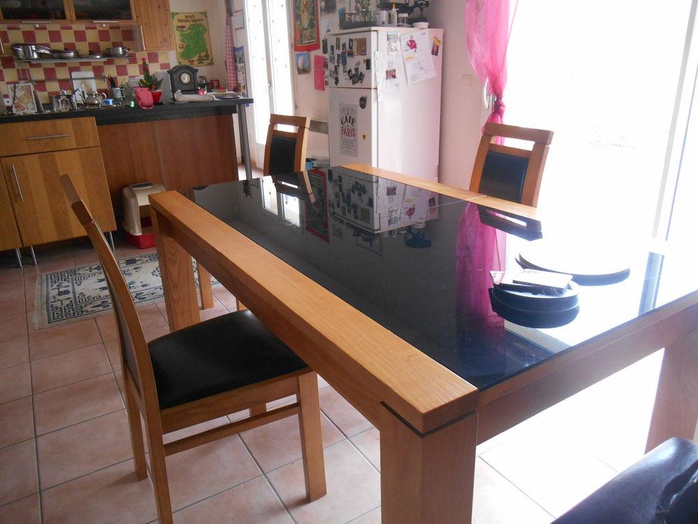 Table rectangulaire et chaises 700 Choisy-le-Roi (94)