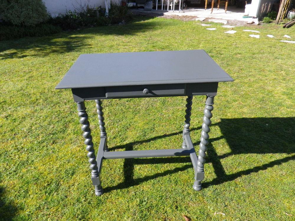 table rectangulaire grise 60 Cazaux (33)