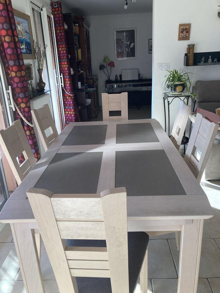 Table rectangulaire salle à manger et 6chaises  1000 Draguignan (83)