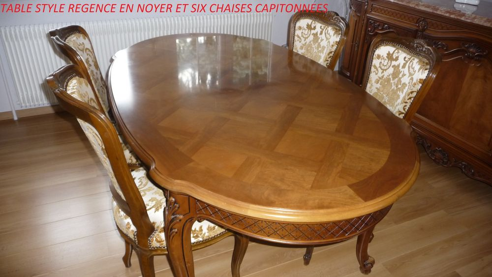 table régence en noyer et six chaises capitonnées régence 300 Illzach (68)