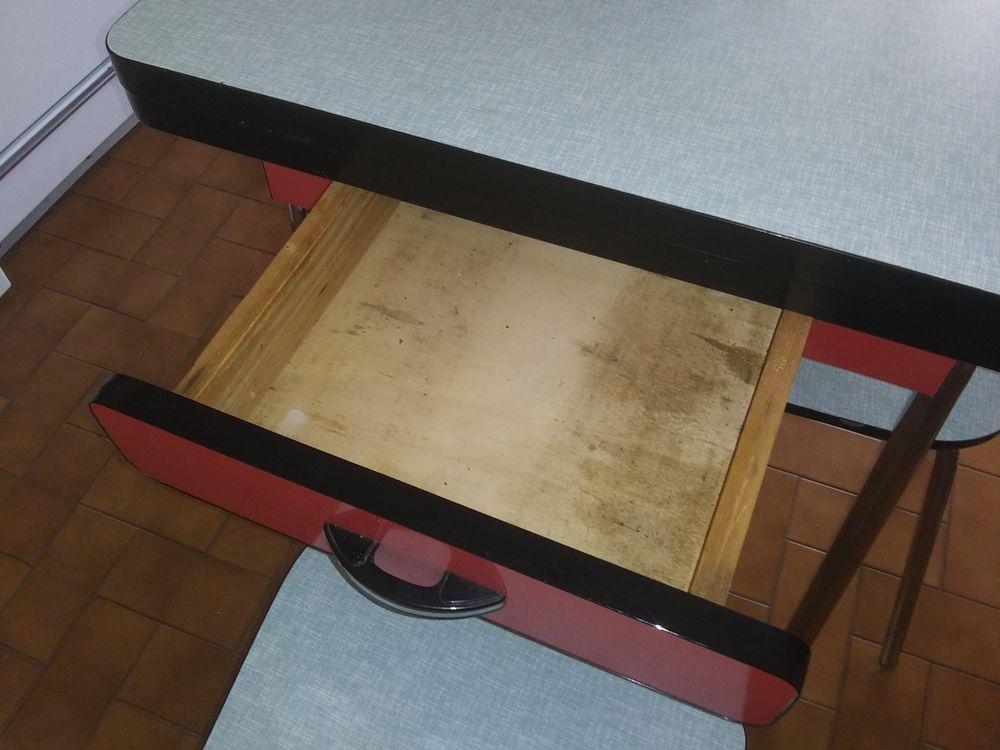 Table retro avec 4 chaises 60 Villeurbanne (69)