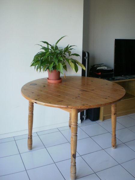 Achetez table ronde 107cm occasion, annonce vente à Lyon (69) WB150898273