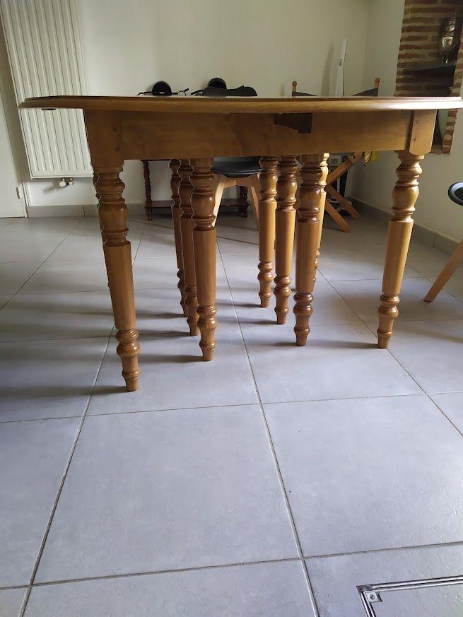 table ronde de 120cm de diametre  550 Port-Sainte-Foy-et-Ponchapt (33)