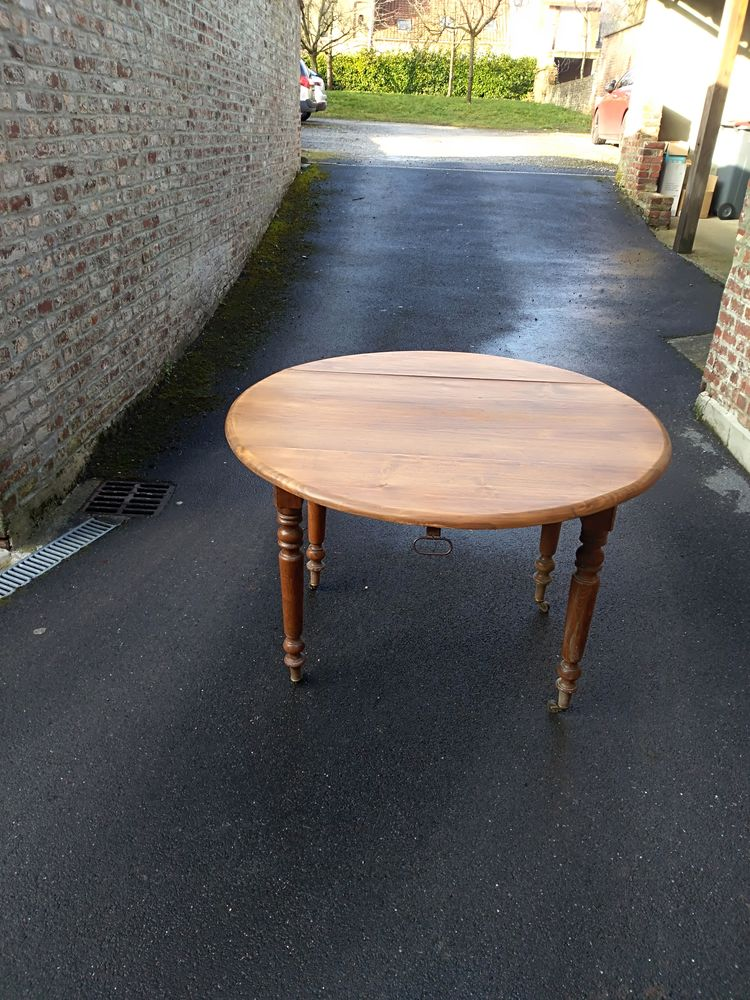 TABLE RONDE ANCIENNE 4 PIEDS 150 Caudry (59)
