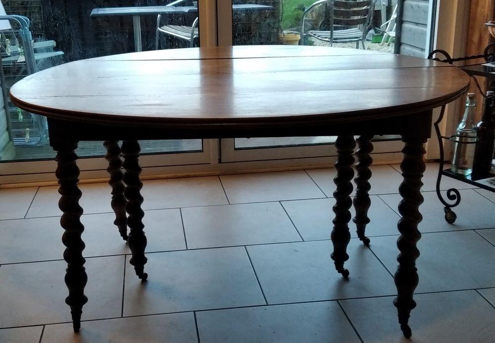 TABLE RONDE ANCIENNE NOYER 100 Plérin (22)
