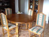 TABLE RONDE AVEC ALLONGE EN CHÊNE MASSIF 4 PIEDS. Meubles