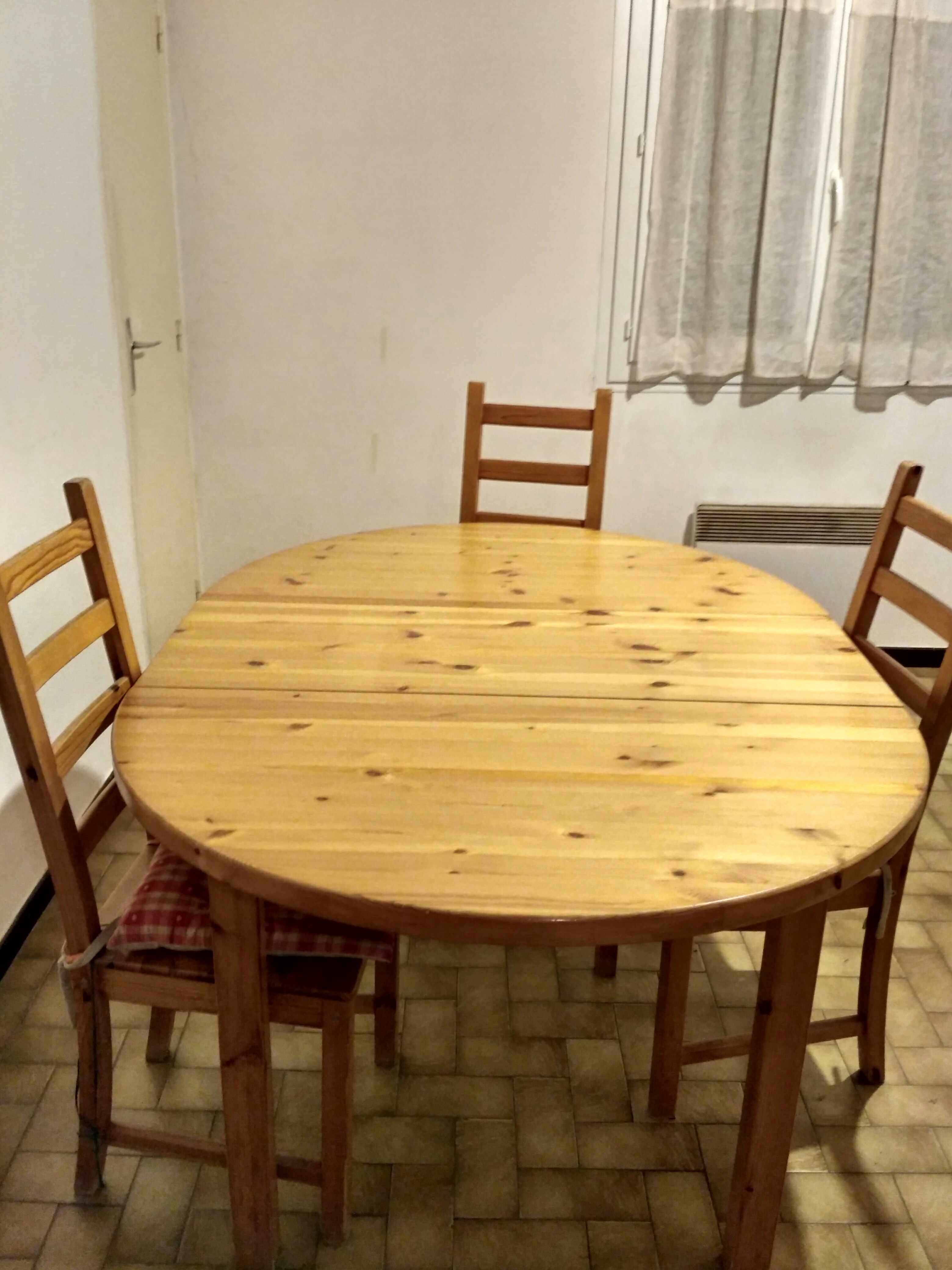 table ronde avec allongé en pin massif et chaises 125 Carcassonne (11)
