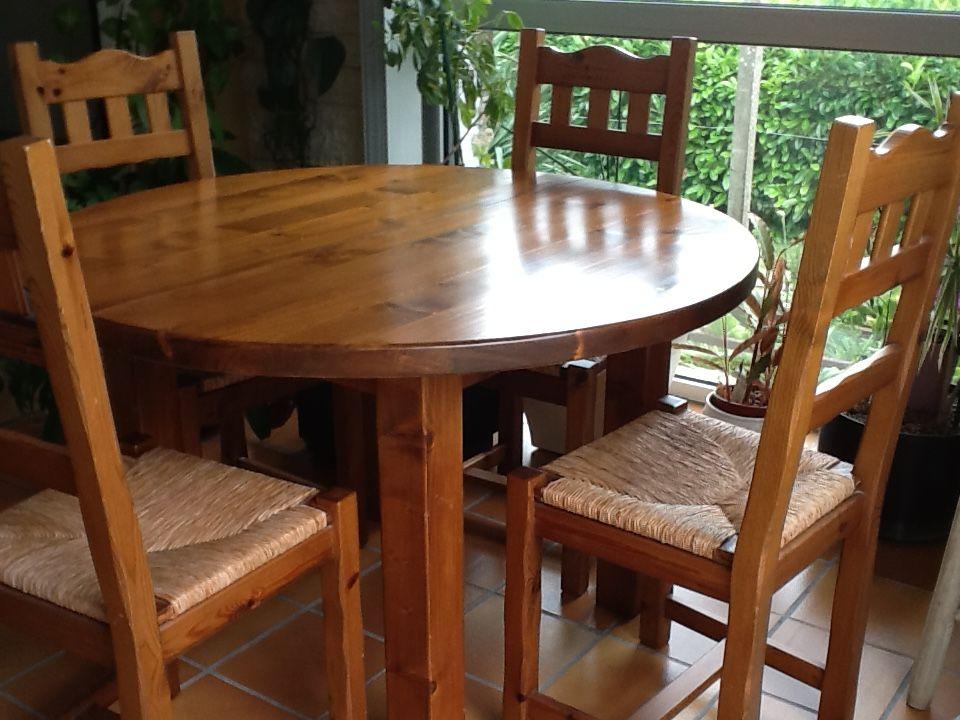 Table ronde avec rallonge meuble avec bar tabourets MASSIF 500 Le Bignon (44)